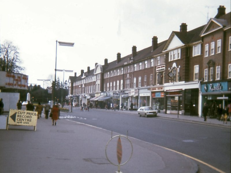 0207-909-orpington-1971-high-street-central-electric-lf