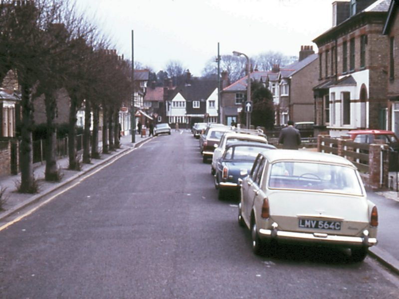 0207-914-orpington-1971-moorfield-road-lf