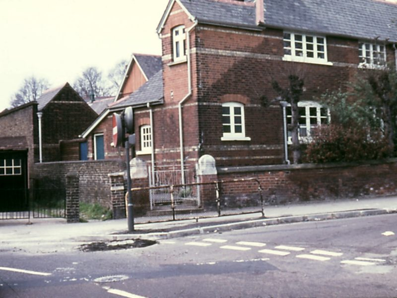 0207-905-orpington-1971-chislehurst-rd-junior-boys-lf