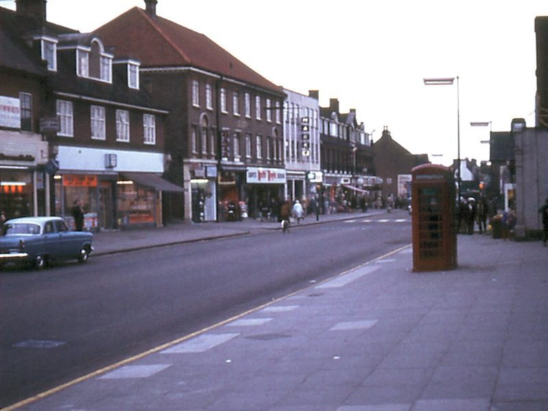 0207-911-orpington-1971-high-street-coop-lf