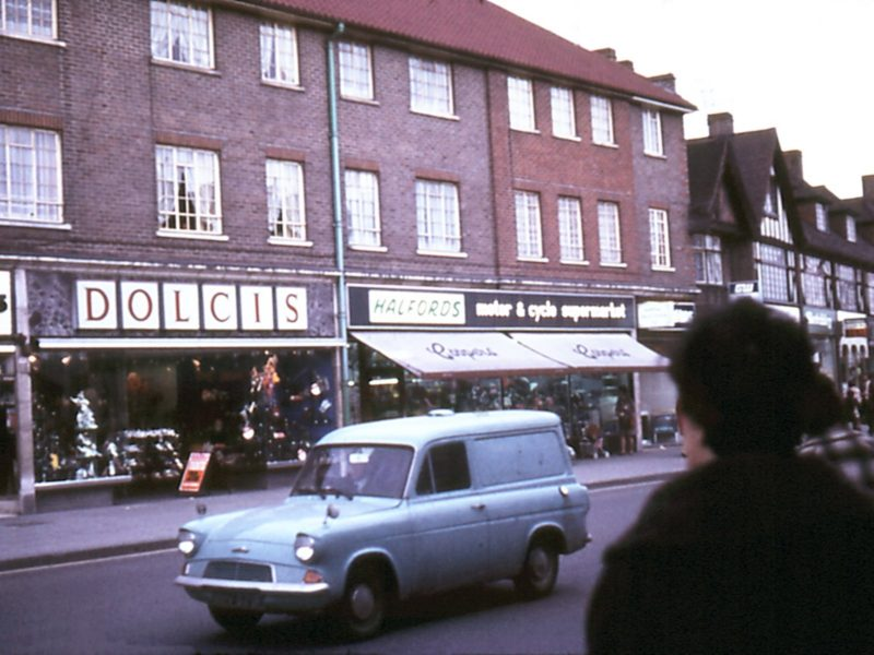 0207-912-orpington-1971-high-street-dolcishalfords-lf