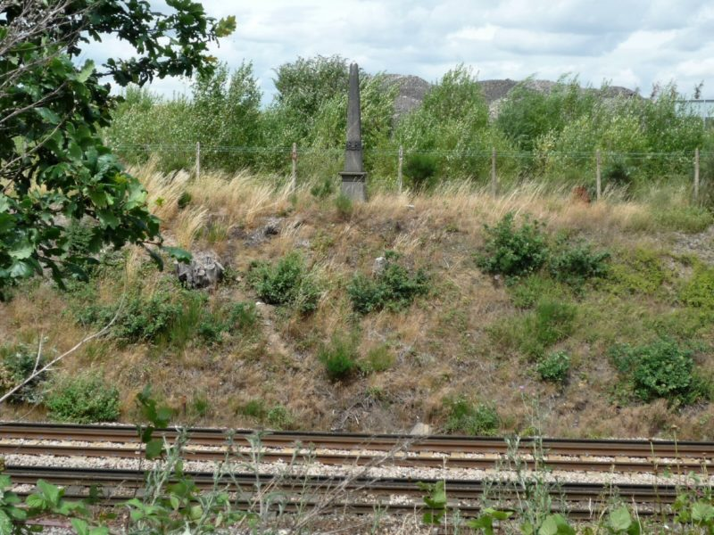 coal-post-206-railway-line-near-swanley-a