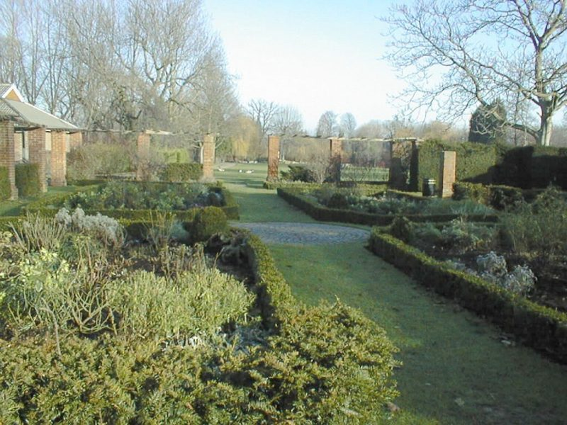 priory-gardens-1999-02-walled-garden